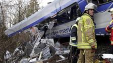 Alemania: al menos 9 muertos y unos 150 heridos en choque de trenes